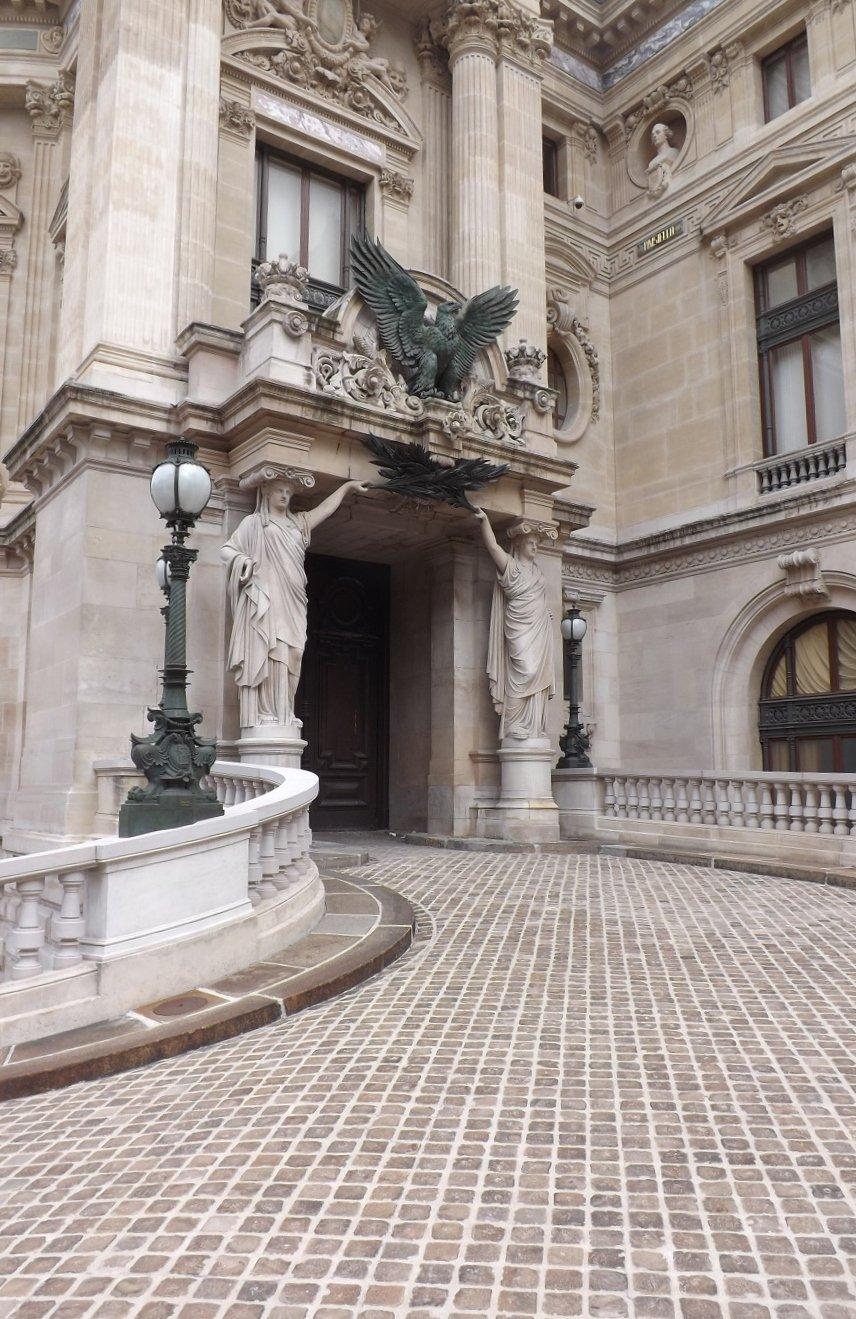 entrée latérales pavillon empereur