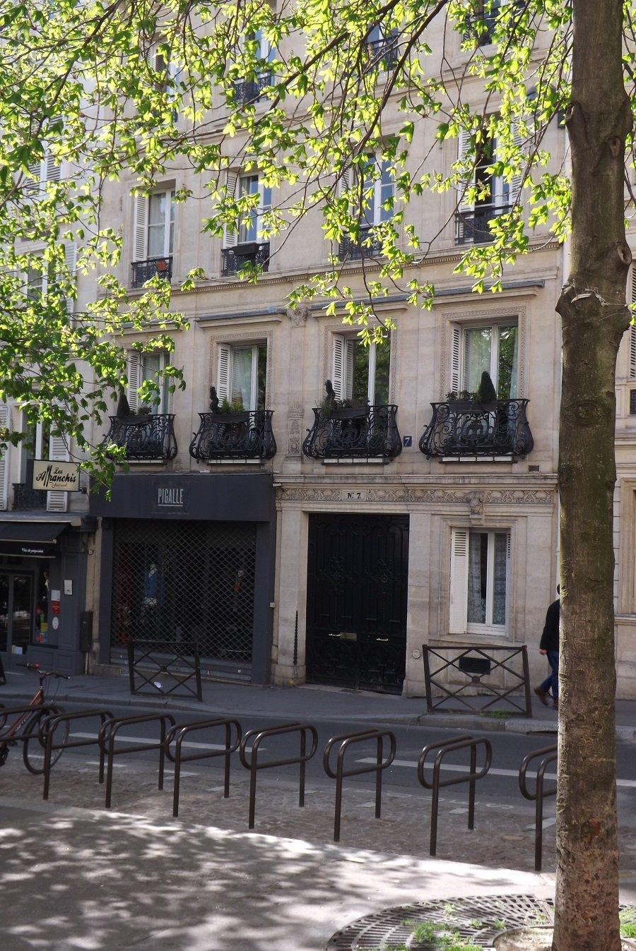 7 rue henry monnier